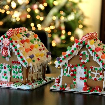 Gingerbread House Making – DIY and Classes