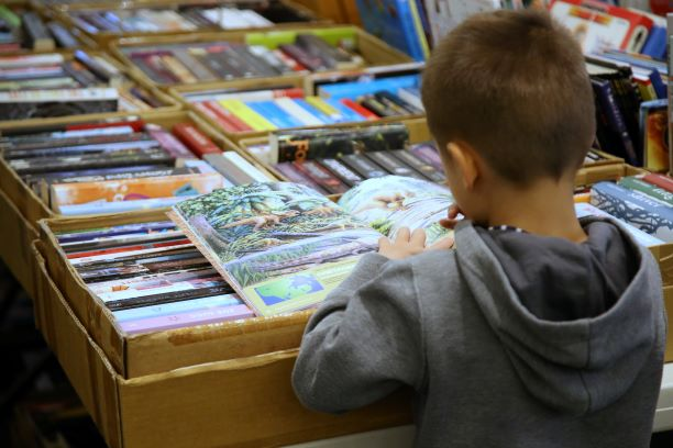 GIANT LIFELINE BOOK FAIR, Thornleigh